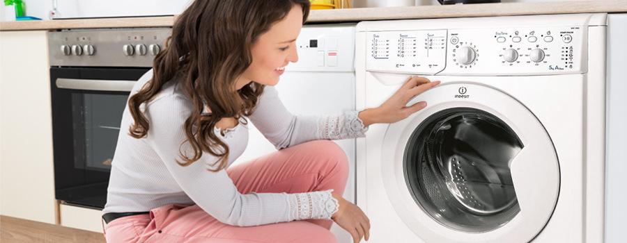 jak vybrat pračku Automatická pračka Indesit Giugiaro IWSC 51051 C ECO US
