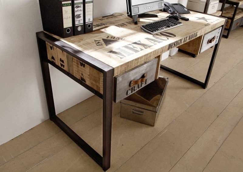 Zařízení bytu - psací stolek