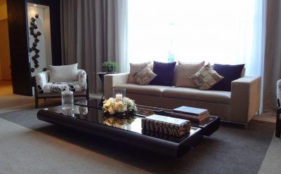 Rozkládací pohovky: milují je domácí i návštěva. Jaká je jejich nabídka a jakou si vybrat?