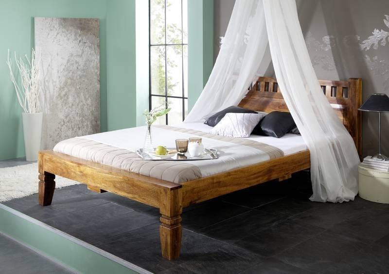 ja zařídit ložnici -dřevěná masivní postel