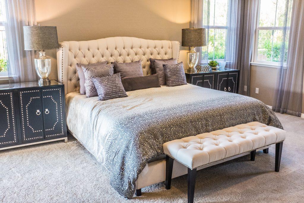 jak zařídit ložnici - postel do ložnice