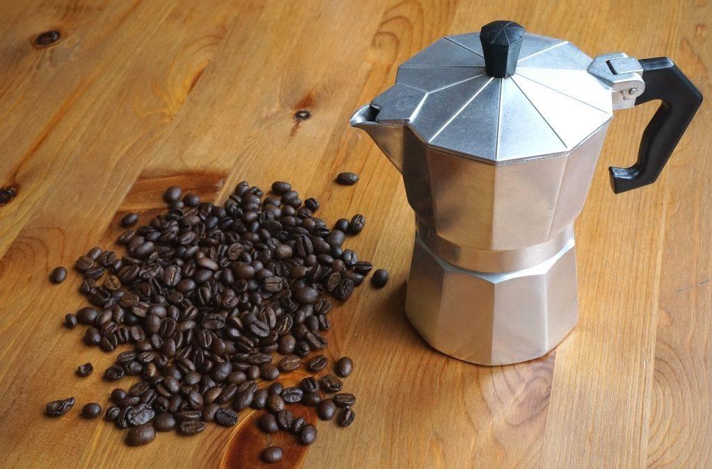 Moka kávovar vykouzlí skvělou chuť kávy, poradíme vám, jak ho vybrat
