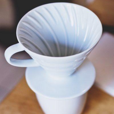 Dripper jako levná alternativa chutné překapávané kávy