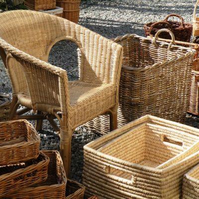 Proutěný nábytek není určen pouze od exteriéru. Perfektně dokáže zkrášlit i váš domov